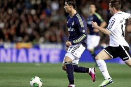 El Real Madrid pasa a semifinales tras una trilogía que dominó (1-1)