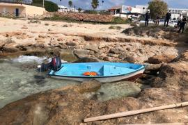 Interceptados diez inmigrantes llegados en una patera a Formentera