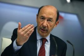 Rubalcaba propone un acuerdo nacional ante la «grave emergencia social»