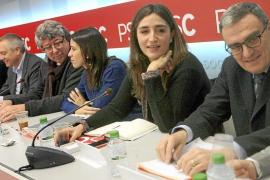 El PSC intenta cerrar su crisis con una simple sanción a los diputados díscolos