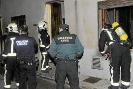 Una mujer de avanzada edad escapa del fuego en su casa de Andratx