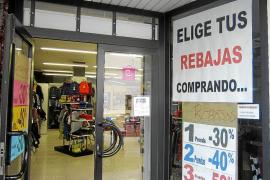 IBIZA - COMERCIO - INICIO DE LAS REBAJAS EN EL PEQUEÑO COMERCIO.