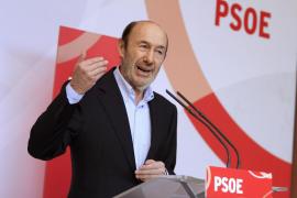 Rubalcaba: «Rajoy ha ligado su suerte a la del señor Bárcenas»