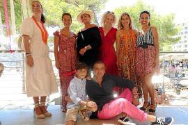 Àngels Mercer, Isabel Yboleón, Eleonor Rosselló, Stephanie Schulz, Ilona Novackova, Carme Coll y yo junto a mi ahijado, Álvaro Sanz.