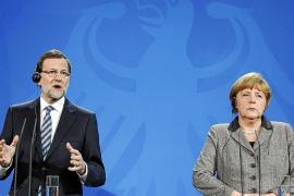 Rajoy: «Lo referido a mí y a mis compañeros no es cierto, salvo alguna cosa publicada»