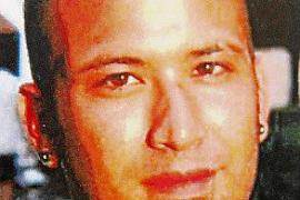 «Llevo sin dormir desde que mi hijo desapareció hace 15 días»