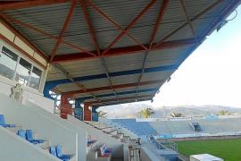 Sa Pobla decreta el cierre urgente de la grada del campo de fútbol por peligro de derrumbe