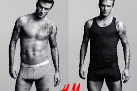 David Beckham, a calzoncillo descubierto y en zapatillas de casa
