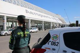 Detenido en el aeropuerto de Palma con un portátil y varios móviles robados