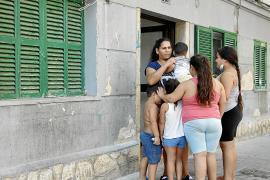 Una familia desahuciada en Palma con cinco menores, sin ninguna solución para obtener casa