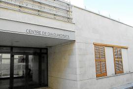 El Ajuntament privatizará la gestión del centro de día al no poder asumir su coste