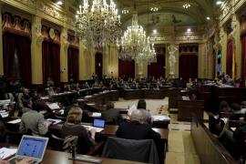 El Parlament no sabe cómo hacer públicas las declaraciones de renta