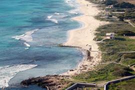 Playa de son Bou en Alaior, Menorca