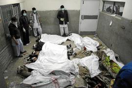 Al menos 79 personas mueren en un atentado al oeste de Pakistán