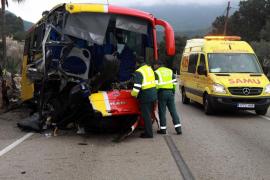 Doce heridos, uno de ellos grave, tras sufrir un autobús de línea un accidente en Bunyola