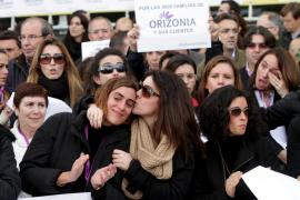 Unos 500 trabajadores de Orizonia se concentran a las puertas de su sede