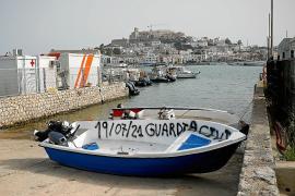 Una mujer y un bebé entre los 8 inmigrantes desembarcados por un velero en Formentera