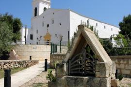 Iglesia de Sant Martí en el pueblo de Menorca Es Mercadal