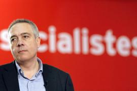 El líder socialista catalán pide que el Rey abdique