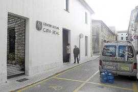 El Ajuntament reacciona y ofrecerá gratis el servicio social de Can Real