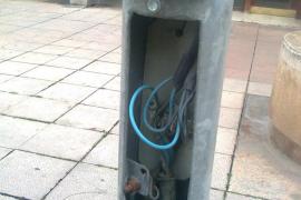 Riesgo eléctrico en la calle Industria de Palma