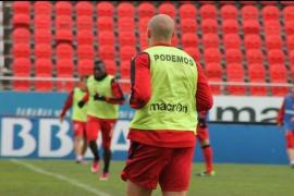 Los jugadores del Mallorca entrenan con mensajes motivadores