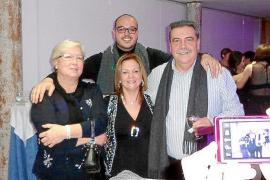 Fiesta sorpresa por el 50 aniversario de Isabel Alemany