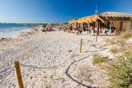 El TSJB aumenta la presión sobre Campos y paraliza el concurso para explotar las playas