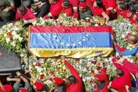 Maduro asume el poder de la era post Chávez