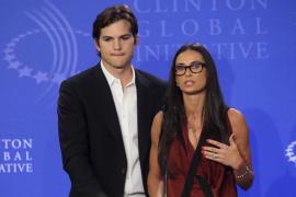 Demi Moore acepta firmar los papeles  de divorcio de Ashton Kutcher