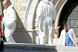 Extraen restos de Juan March para saber si su ADN coincide con el de una presunta hija