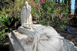 El Ajuntament investiga dónde ha ido a parar una escultura del cementerio