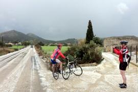 La nieve deja atrapados a 350 turistas, 150 de ellos del Imserso, en sa Calobra
