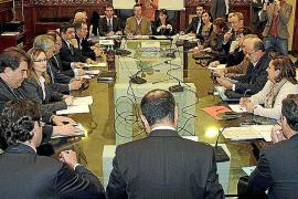 Tensión entre Bauzá y los empresarios por el impuesto sobre los envases