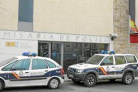 Quejas por una antena de la policía que impide cerrar los vehículos con mando a distancia