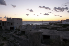 Consell y Ajuntament firman el convenio de demolición de los chalés de ses Covetes