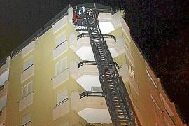 Cae de madrugada parte de la cornisa de un noveno piso de Palma sin causar heridos