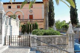 El pleno hace público que la plaza de Aiamans es privada