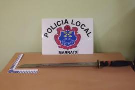 Detenido un hombre que atacó con una catana a su padre en sa Cabaneta «porque veía ovnis»