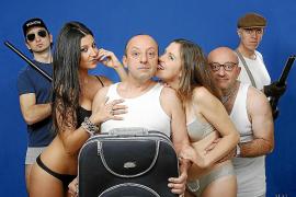 El elenco de 'Qui m'ha robat sa roba?' se 'desnuda' en esta «elegante» comedia