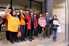 La PAH de Mallorca pide suspender los dos primeros desahucios por cláusulas abusivas