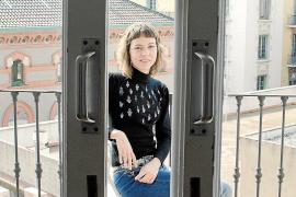 Núria Cadenes novela la vida del financiero Juan March en 'El banquer'