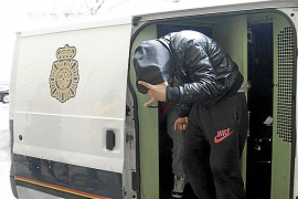 Los detenidos en la redada de La Soledat dicen que son chatarreros y que la droga era para ellos