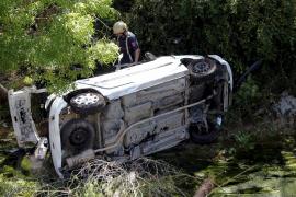 Una joven de 29 años muere al despeñarse su coche por un torrente en Puigpunyent