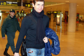 Tito Vilanova llega a Barcelona tras dos meses en Nueva York