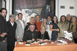 Celia Velasco presenta la novela Los atardeceres de Julia