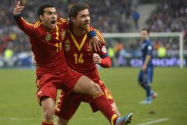 España gana a Francia con gol de Pedro y encarrila su pase a Brasil 2014