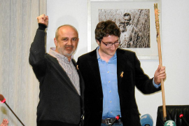 Antoni Reus releva a Miquel Cifre como alcalde de Santa Margalida en un tenso pleno