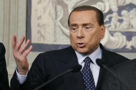 Berlusconi insiste en que la única solución es un gobierno de unidad nacional