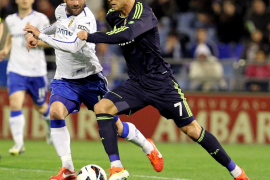 El Zaragoza arranca un punto a un Real Madrid que apretó demasiado tarde